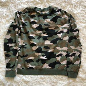 Divided • H&M • Sweatshirt • Camo